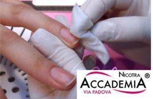 unghie in acrilico